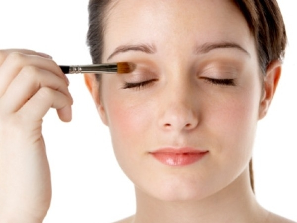 Eye Health: 5 Ways to Thicken Your Eyelashes Always Wash Off Your Eye Makeup