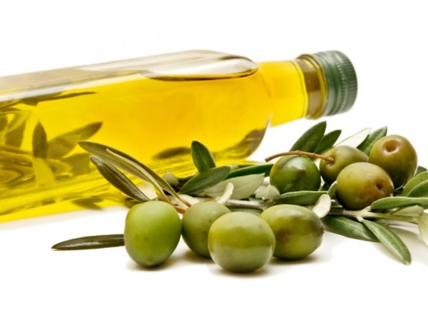 Home Remedy to Treat Acne Scars # 4: Olive oil magic