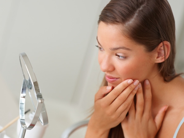 Home Remedy to Treat Acne Scars # 19: Avoid touching your face