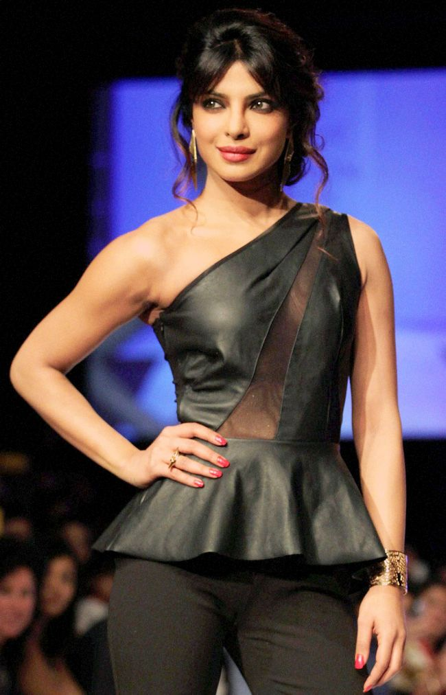Pics of priyanka chopra in fashion 79