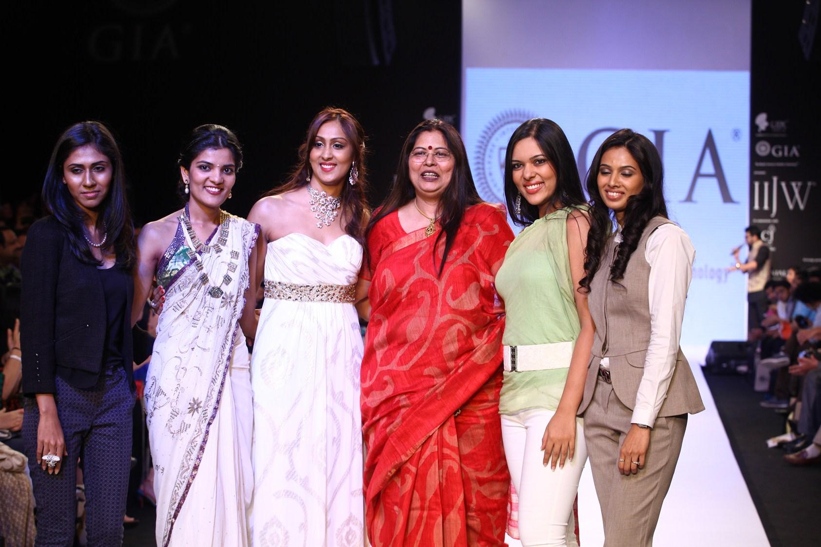 Garima Dixit, Bhumika Selvadia, Nikki Arora, Nirupa Bhatt, Shraddha Agarwal, Jayshree Thakur