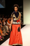 Looking at strong Persian, Afghan and Indian influences, Priyadarshini's designs combined the past with modern western shapes