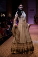 It was indeed a glorious end to the Indian Textile Day celebrations at Lakmé Fashion Week Winter/Festive 2013 with Padma Shree Ritu Kumar's sensational collection presented by Reliance Jewels.