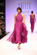 . The fashionable mystique of the Far East was presented by Sailex at Lakmé Fashion Week Winter/Festive 2013. Experimenting with the sartorial style directions from the land of dainty kimonos, Sailex allowed the traditional Japanese ensemble as well as t