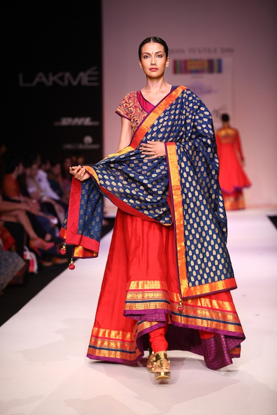 "Working for over a year with the Maharashtra State Handlooms Corporation formulated in 1971, Shruti Sancheti's collection, called ""Saaj"", was a tribute to the weavers of the Corporation at Lakmé Fashion Week Winter/Festive 2013."