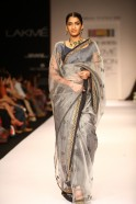 "The Maharashtra State Handlooms Corporation presented Soumitra Mondal's ""Marg"" label at Lakmé Fashion Week Winter/Festive 2013. Combining the beauty of Jamdani weaves and hand embroidered techniques, Soumitra's ""Bunon"" collection offered"
