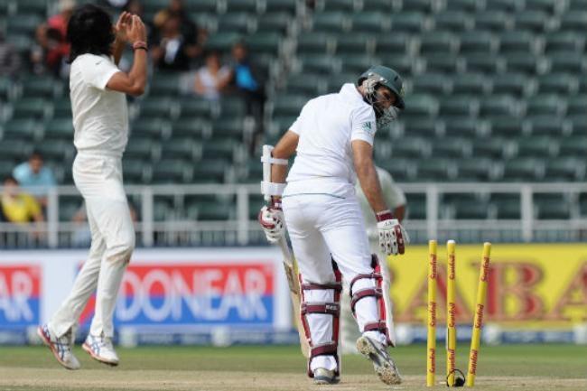Hashim Amla bowled