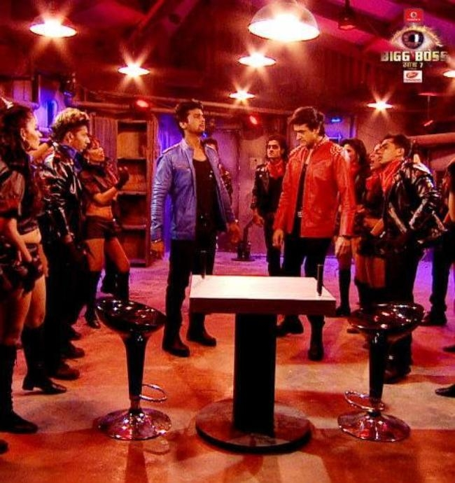 Armaan and Kushal rock the stage.