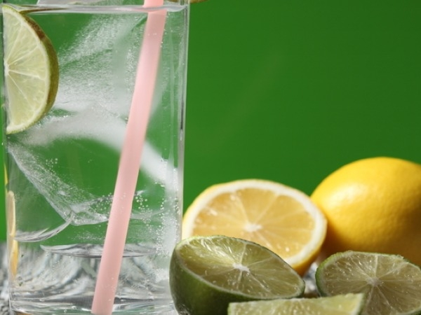 20 Best Foods for Skin Whitening Lemon Water: