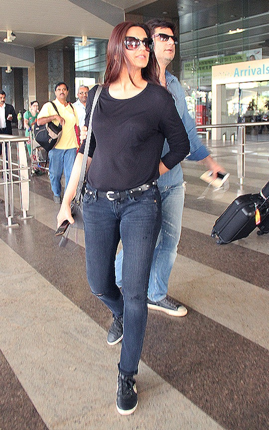 The actress was with her husband Goldie Behl