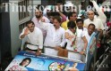 Congress candidate from North Mumbai Lok Sabha constituency Priya Dutt, along with Bollywood actor Salman Khan and others, campaigning at Bandra in Mumbai on April 15, 2009.