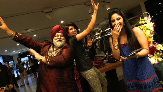 Priyanka bids the viewers adieu with a small jig on a peppy Bhangra number.