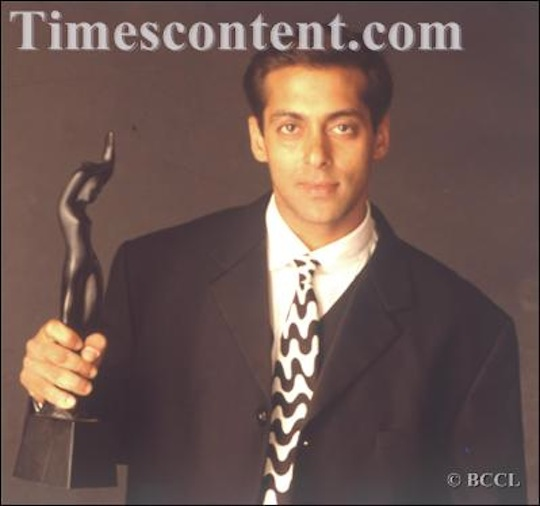 Salman Khan receives the Best actor in a Supporting Role Award for the Hindi film