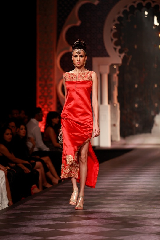 Women's wear drew its influence from traditional shapes across Asia and presented a refined style of dressing with a hint of decadent touches.