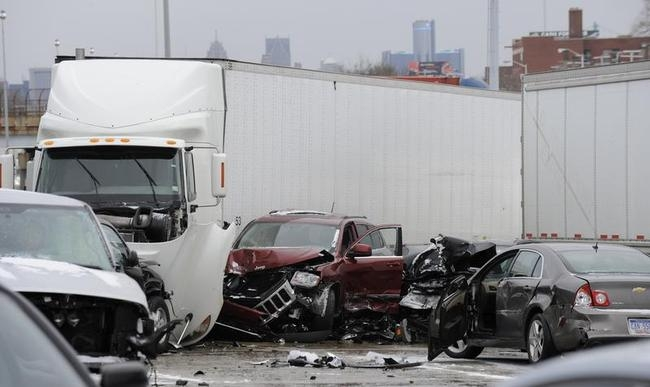 Detroit freeway pileup