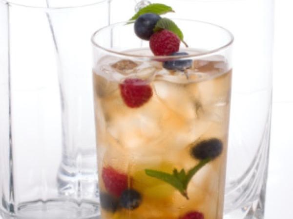 Valentine's Day Drinks Recipe # 17: Basil gimlet