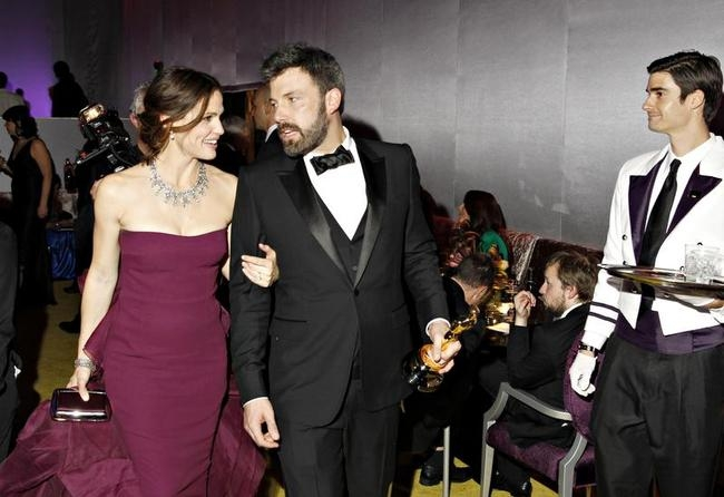 Jennifer Garner and Ben Affleck leave