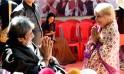 Amitabh Bachchan with a fan