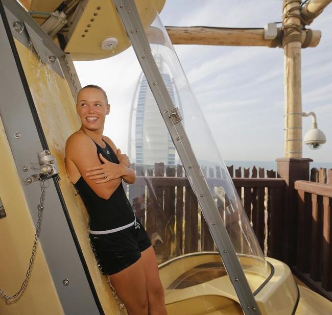 Caroline Wozniacki Sizzles @ Dubai Waterpark