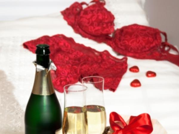 Valentine's Day Drinks Recipe # 13: X-rated Bellini