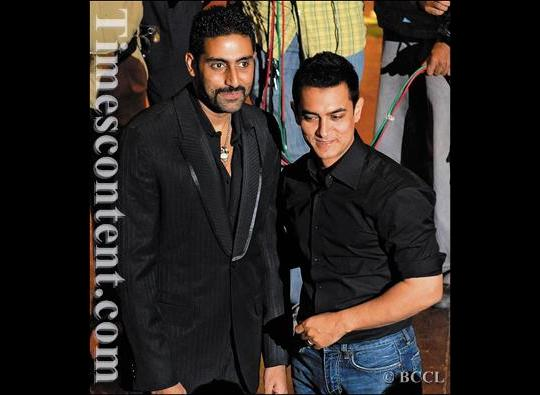 Abhishek Bachchan and Aamir Khan at a literary function hosted by Neville Tuli, an Indian writer, art connoisseur and founder of Osian