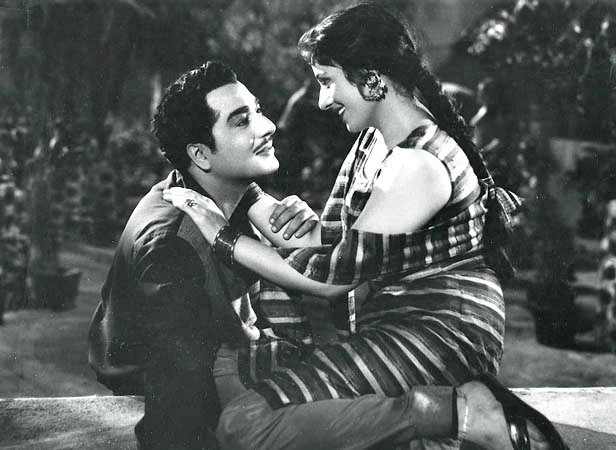 Madhubala with Pradeep Kumar in Passport