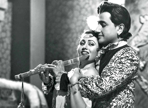 Madhubala with Bharat Bhushan in Gateway Of India