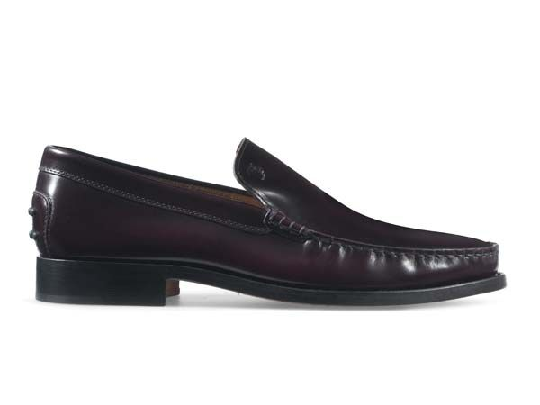 Burgundy loafers by Tod