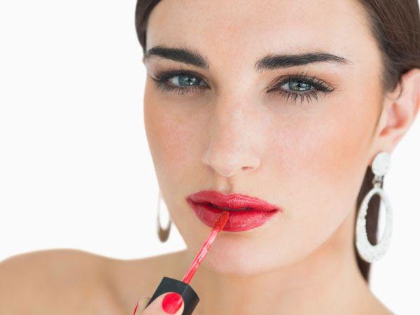 Too much lip gloss/lipstick