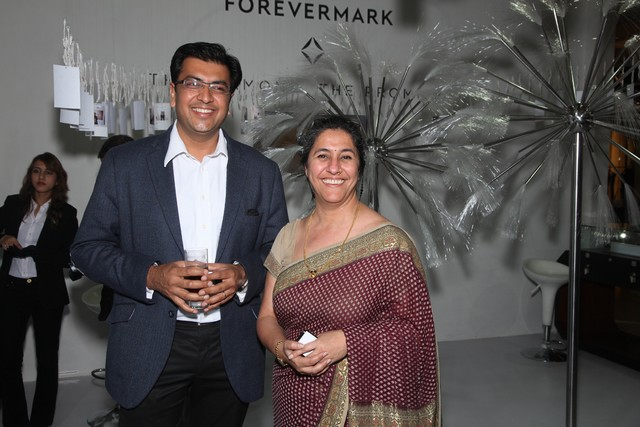 Mr. Sachin Jain, MD, Forevermark India with Ms Dinaz Madhukar, Senior VP, DLF Emporio