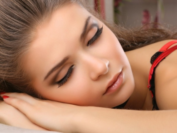 Bad Habit to Quit for A Healthy Living # 9: Sleeping as Makeup Queen