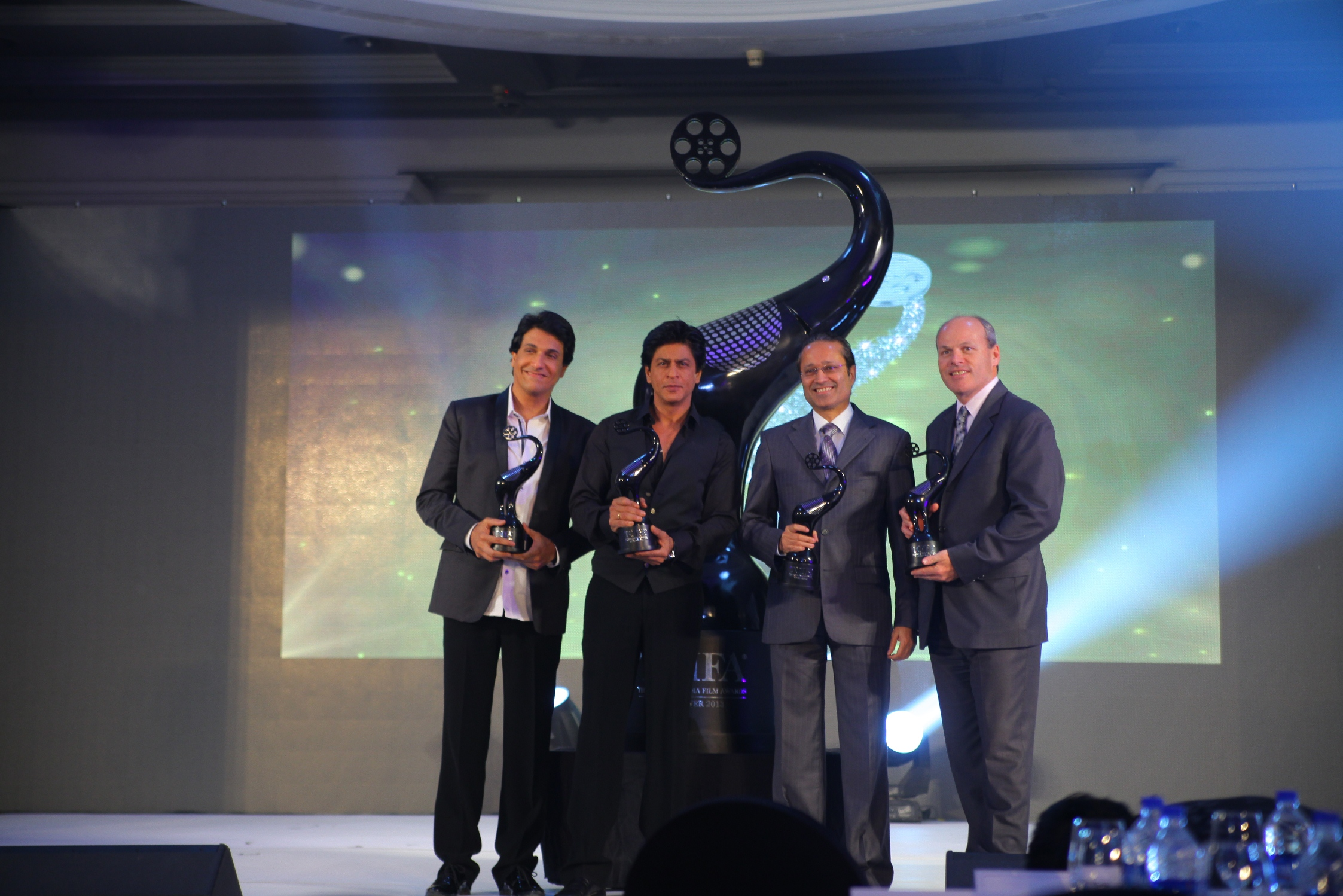 Shiamak Davar, Shah Rukh Khan, Vineet Jain, MD, Times of India Group and Jim Nickel, Deputy Hugh Commissioner and Acting Consul General on Canada at the launch of The Times of India Film Awards.