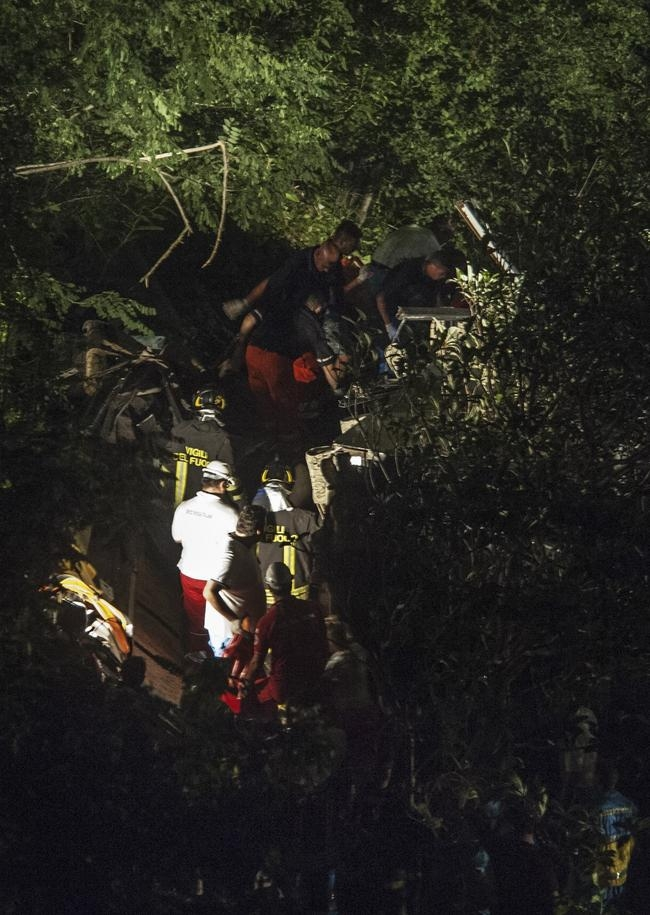 Horrific Bus Crash in Italy Kills Pilgrims: PICS