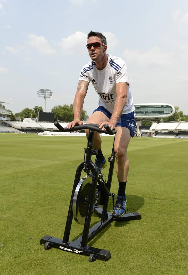England Get Ready for Ashes Battle
