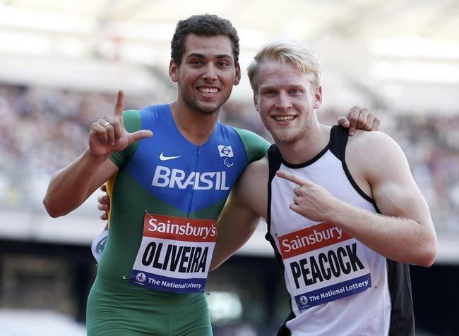 Oliveira Breaks Pistorius
