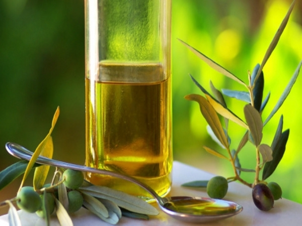 Dry Skin: 21 Herbs and Herbal Oils Good Dry Skin: Olive oil