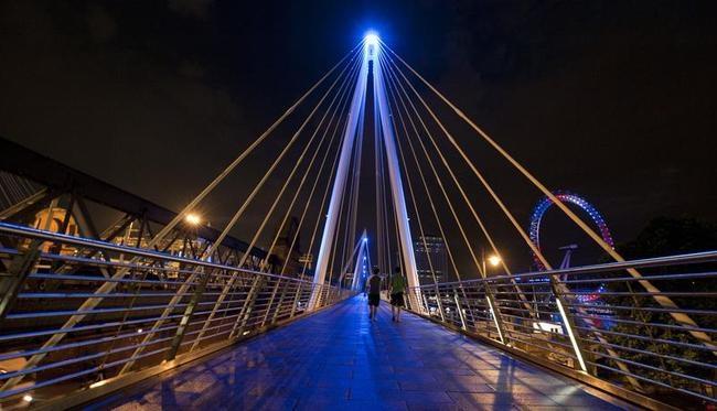 The Golden Jubilee Bridges Turned Blue