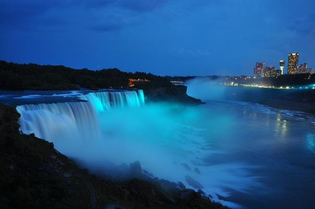 The Niagara Falls Turned Blue
