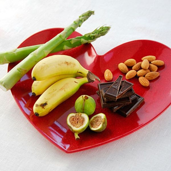 About Diabetes: Simple Ways to Treat Diabetes: Include 2 servings of fruits and 3-4 servings of vegetables every day