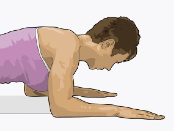 Workouts: 20 Best Home Workouts: Plank walks