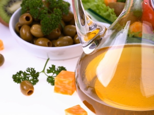 Heart Health: Foods to Cleanse Your Arteries:Olive oil