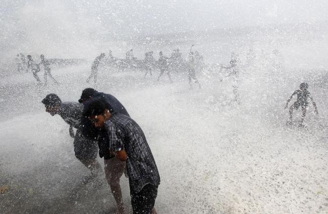 Monsoon Mania: Splashes of Joy