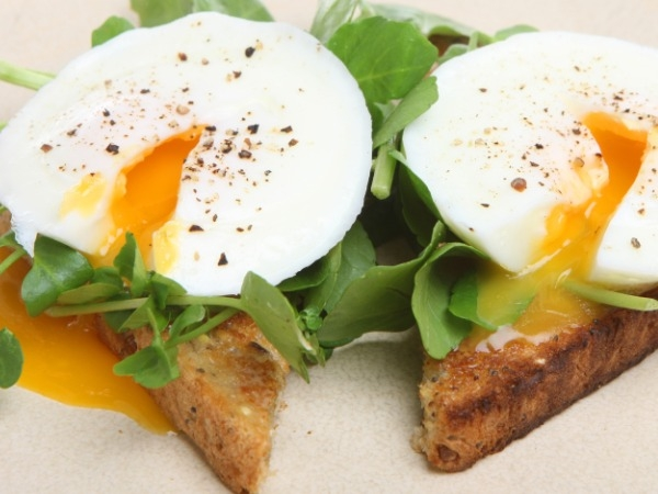Healthy Food: Best Snack Under 100 Calories:Poached egg: