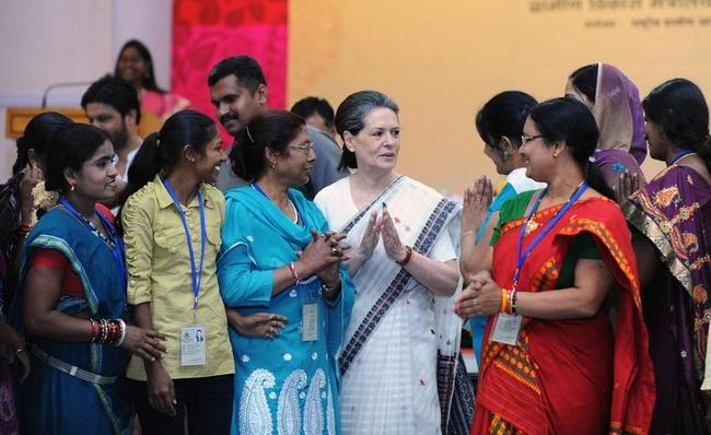 Sonia Gandhi Meets Rural Women