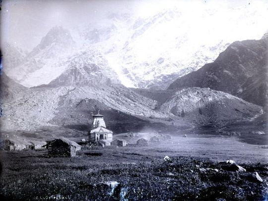 Peaks and temple of Kedernath 1882