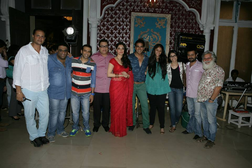 Manoj Soni (cameraman), directors Sajid-Farhad, producer Ramesh Taurani, Tamanna Bhatia, Akshay Kumar, Sneha Taurani, Jaya Taurani, creative producer Jay Shewakramani, Vinod Guruju (art director)