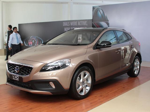 Volvo V40 Cross Country Launch
