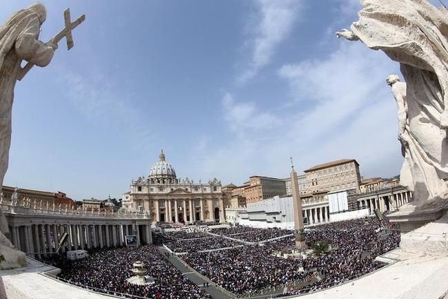 Pope Francis Conducts The Palm Sunday Celebrations In St Peter