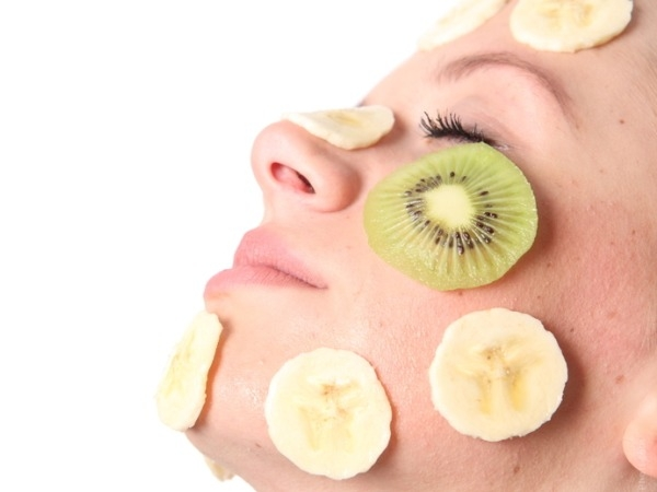 Best Homemade Face Packs for Summer # 8: Banana facial mask