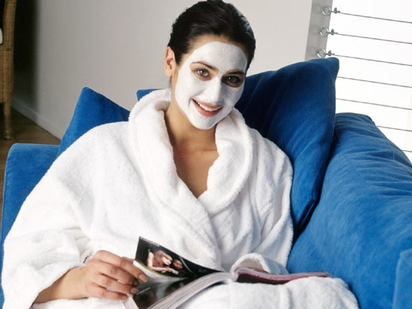 Homemade Beauty Treatments after Holi # 1: Curd magic